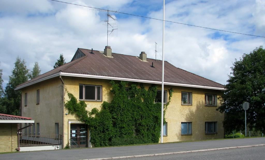 Tässä talossa toimi Kiteen pääpostikonttori ja puhelinkeskus neljännesvuosisadan alkaen vuodesta 1950. Sen jälkeen talossa on ollut erilaisia toimintoja, viimeksi kesään 2014 saakka kaupungin äitiys- ja lastenneuvola.