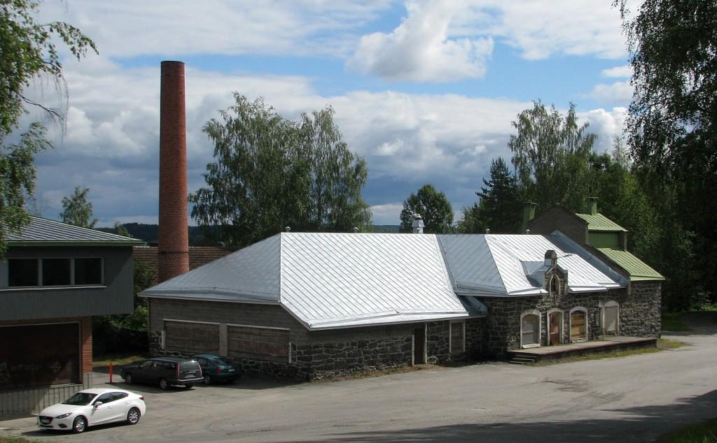 Kivestä tehty vanha meijerirakennus odottaa sisäpuolista remonttia. Rakennuksen käyttötarkoitus on ideoinnin asteella. Vasemmalla näkyvä myöhemmin rakennettu maidon vastaanottoasema on Erikoispuusepänliike Seppo Auvisen omistuksessa.  Kiteen kaupunki omistaa koko alueen ja rakennukset muilta osin.