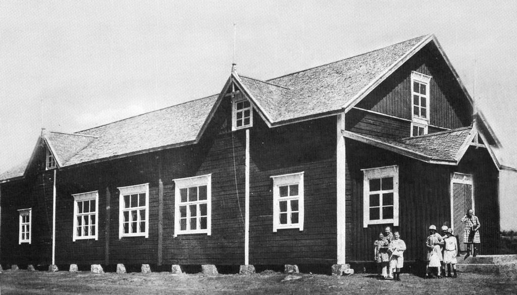 Kirkonkylän nuorisoseuran rakentama talo