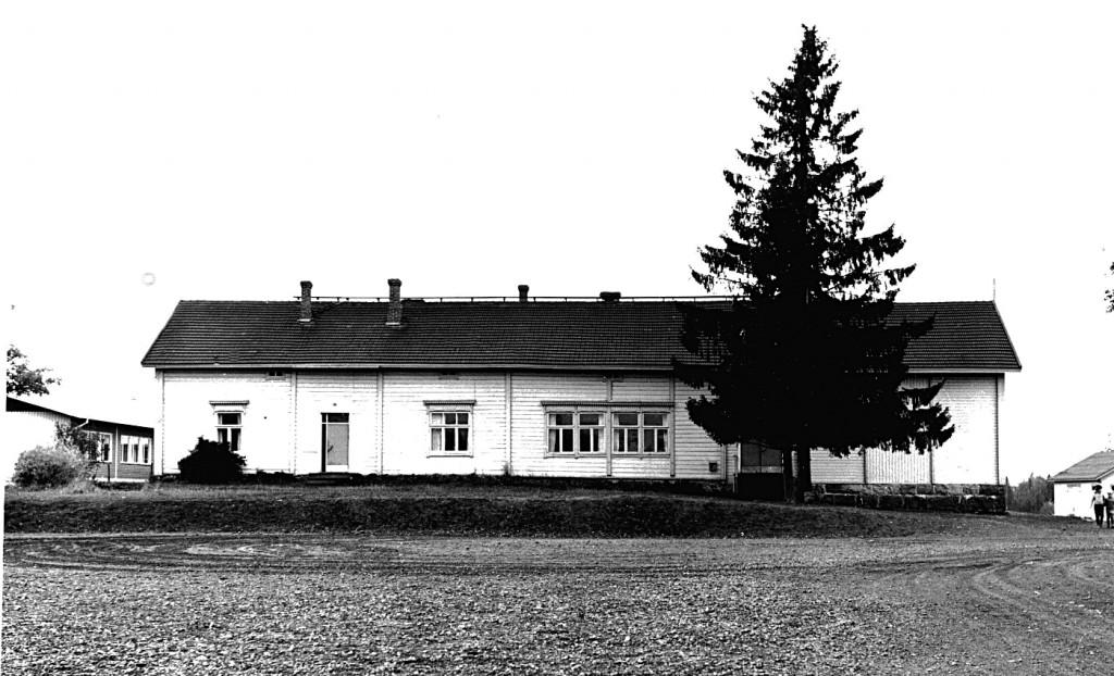 Kirkonkylän vanha koulurakennus